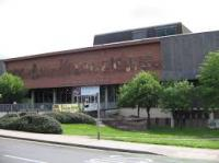 Potteries Museum and Art Gallery.jpg