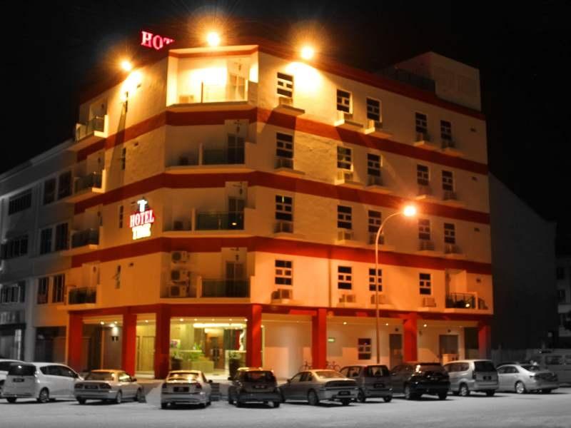 Nilai, Time Hotel