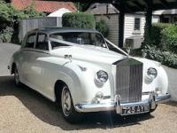 Elegance Wedding Cars - www.eleganceweddingcars.co.uk